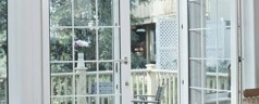 Особенности применения балконных витражей